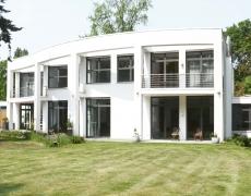 Villa in Westend